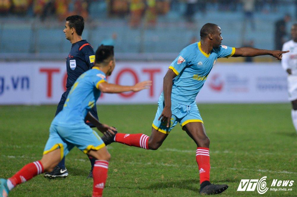 Mua ban thang tren san Hang Day trong tran mo man Mekong Cup 2017 hinh anh 10