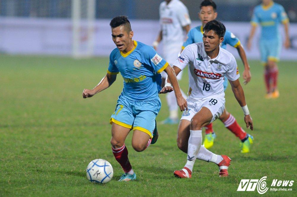 Mua ban thang tren san Hang Day trong tran mo man Mekong Cup 2017 hinh anh 11
