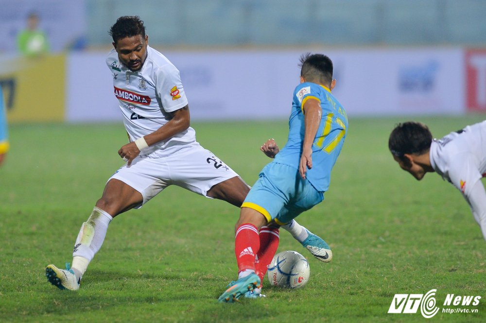 Mua ban thang tren san Hang Day trong tran mo man Mekong Cup 2017 hinh anh 12