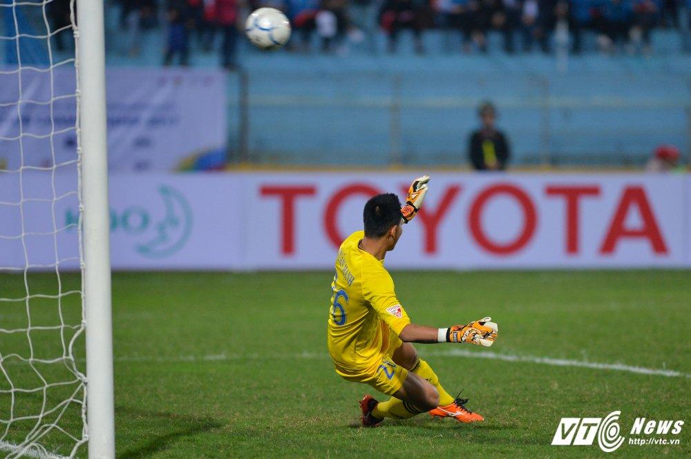 Mua ban thang tren san Hang Day trong tran mo man Mekong Cup 2017 hinh anh 5