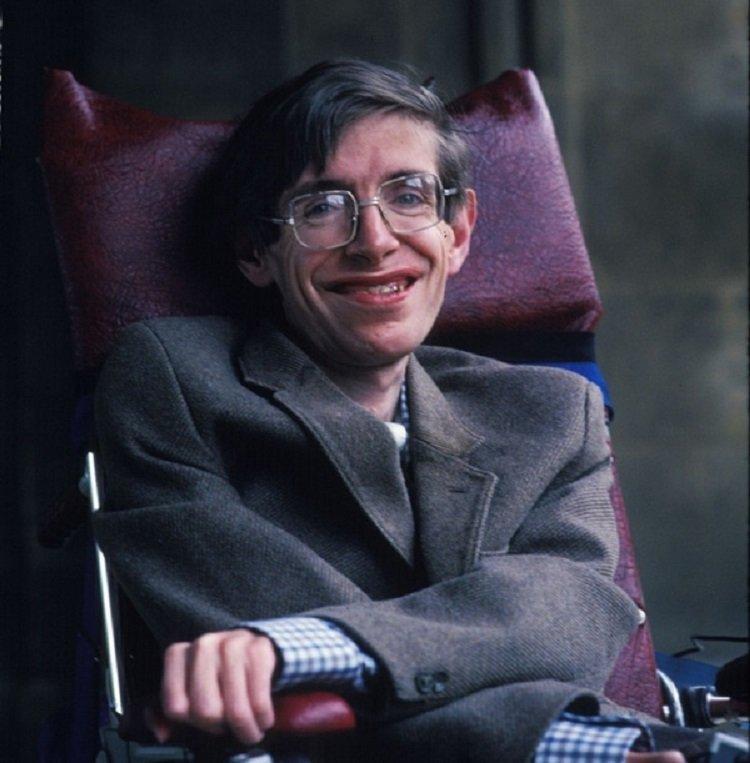 55 nam chong choi benh tat phi thuong cua nha vat ly thien tai Stephen Hawking hinh anh 2