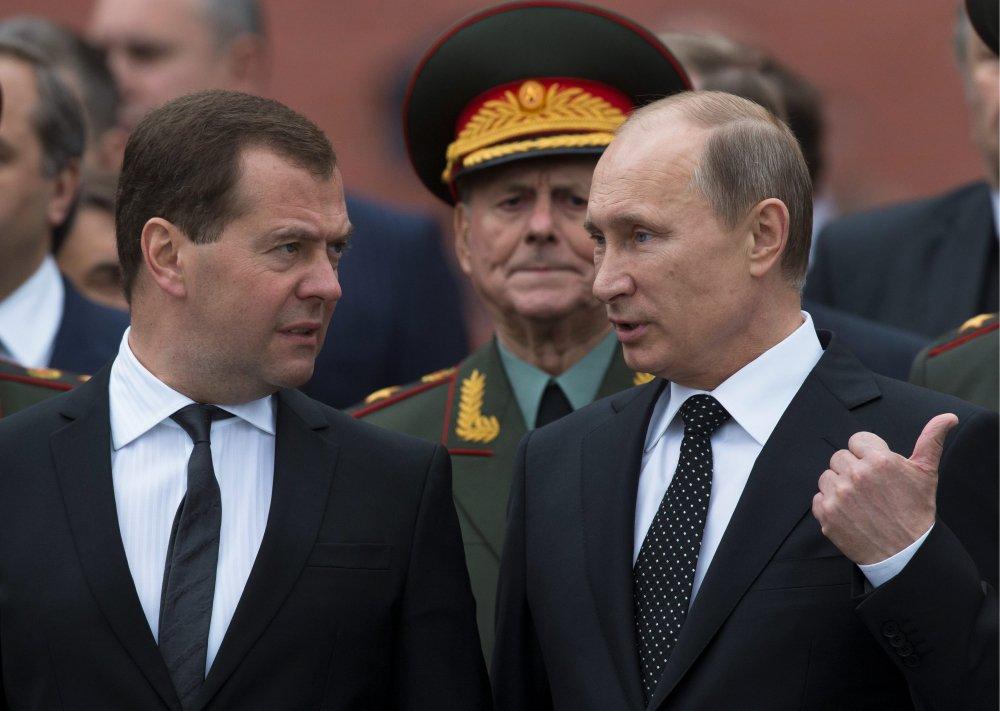 Nhiem ky moi cua Putin, Thu tuong Medvedev co phai ra di? hinh anh 1