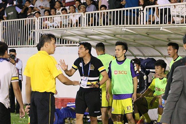 Su co tran HAGL vs Ha Noi FC: Bong da phai co gia vi hinh anh 2