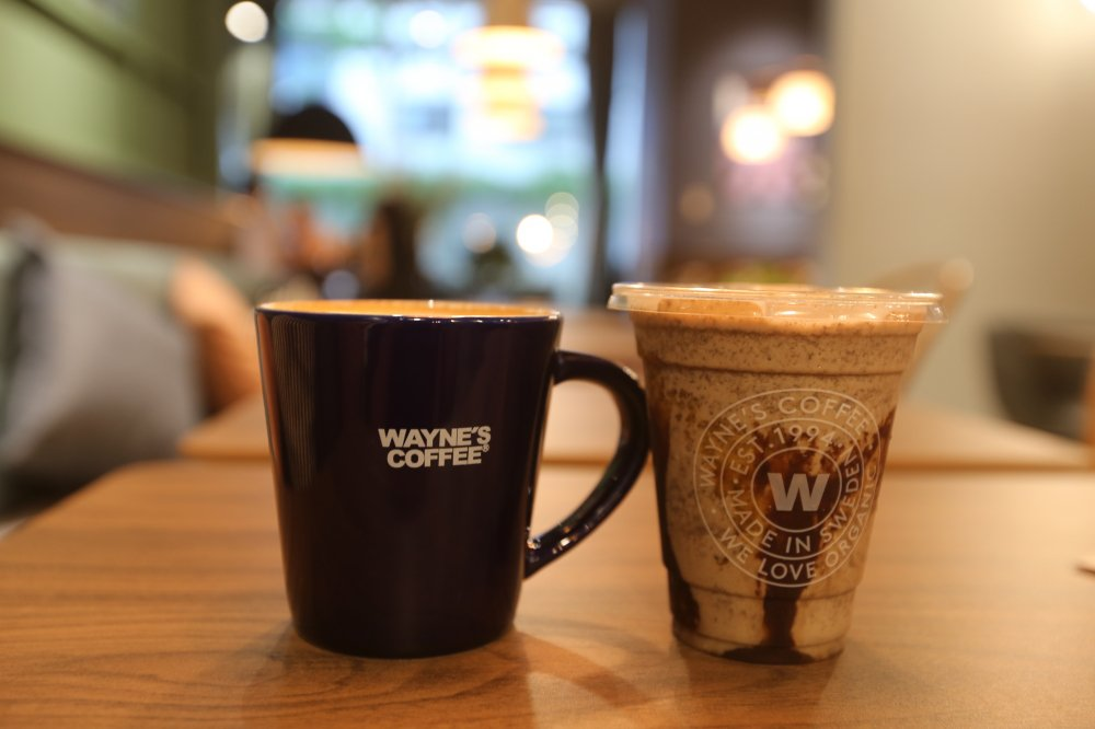 Wayne's Coffee - khong gian van hoa ca phe Thuy Dien den Viet Nam hinh anh 2