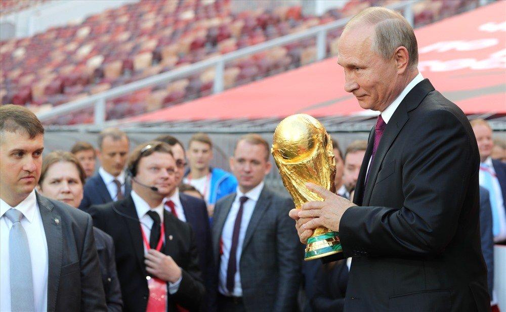 Lanh dao EU tay chay World Cup 2018, khong den Nga du le khai mac hinh anh 1