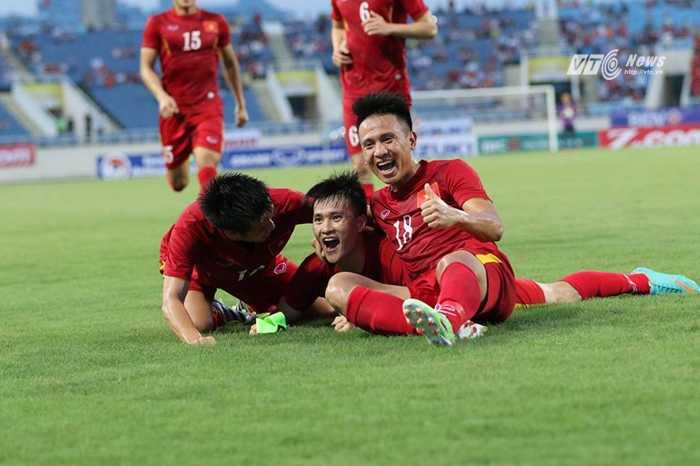 Truc tiep Viet Nam vs Syria: Xem Cong Vinh, Cong Phuong tro tai hinh anh 2