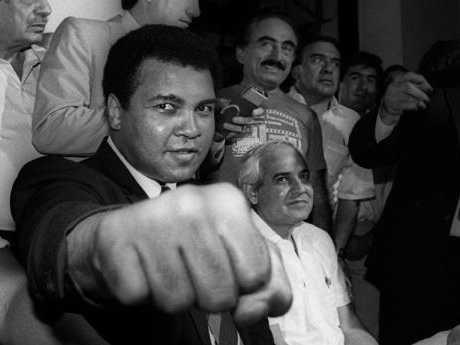 Vo sy Muhammad Ali qua doi: Huyen thoai quyen Anh, triet gia xuat sac hinh anh 1