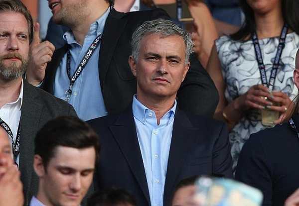 Mourinho bi cao buoc quay roi tinh duc hinh anh 1