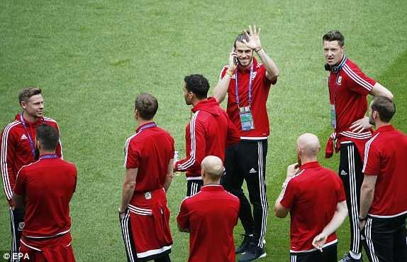 Truc tiep Euro 2016: Xu Wales vs Slovakia hinh anh 18