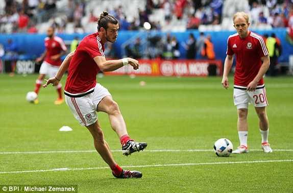 Truc tiep Euro 2016: Xu Wales vs Slovakia hinh anh 15