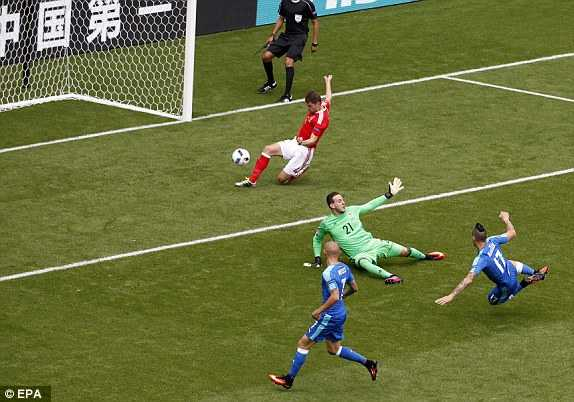 Truc tiep Euro 2016: Xu Wales vs Slovakia hinh anh 13