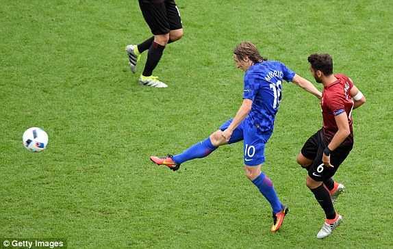 Truc tiep Euro 2016: Croatia vs Tho Nhi Ky hinh anh 5