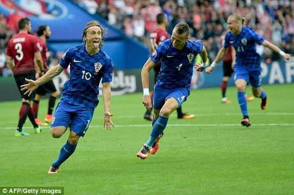Truc tiep Euro 2016: Croatia vs Tho Nhi Ky hinh anh 4