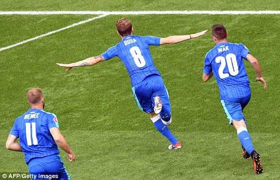 Truc tiep Euro 2016: Xu Wales vs Slovakia hinh anh 2