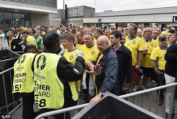 Truc tiep EURO 2016: Thuy Dien vs CH Ailen hinh anh 12