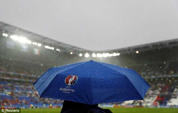 Truc tiep EURO 2016: Bi vs Italia hinh anh 9