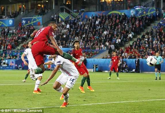 Truc tiep Euro 2016: Iceland vs Hungary hinh anh 16