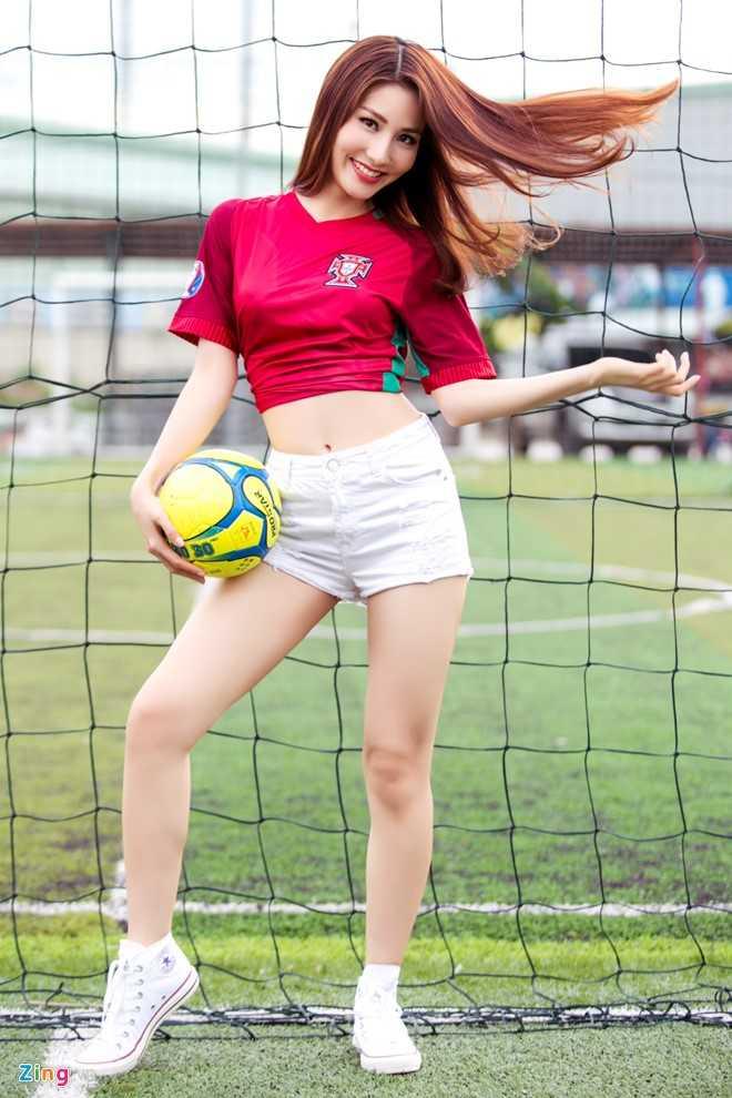 Diem My 9X mac goi cam co vu Bo Dao Nha vo dich Euro 2016 hinh anh 3