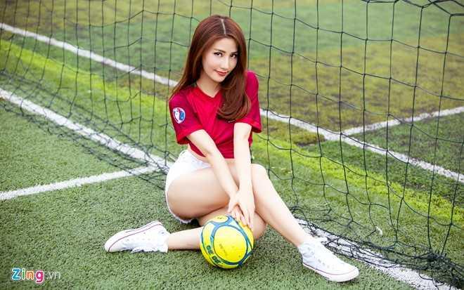 Diem My 9X mac goi cam co vu Bo Dao Nha vo dich Euro 2016 hinh anh 6