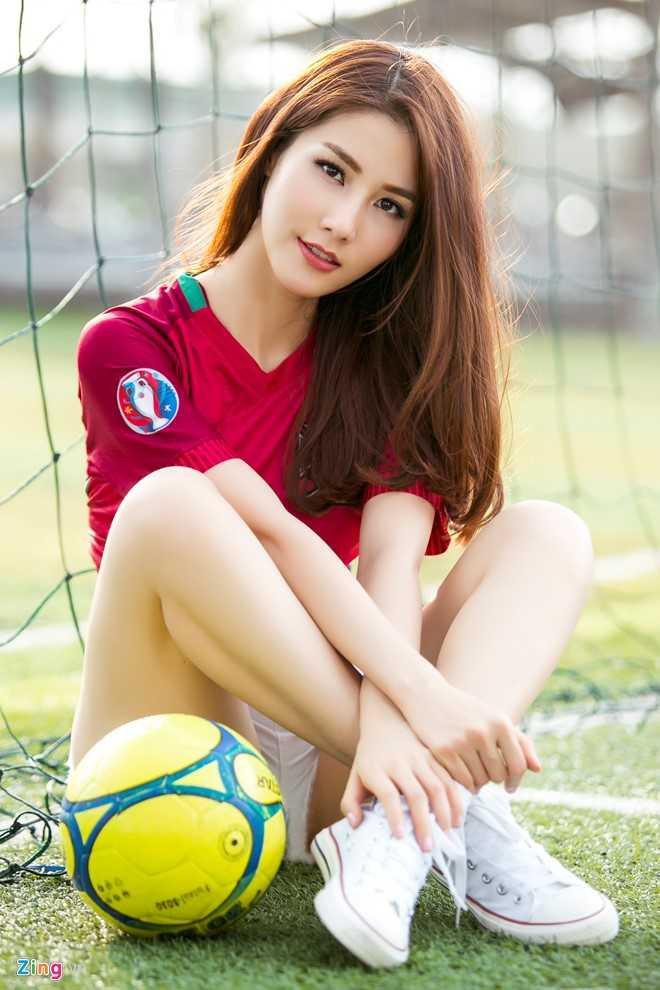 Diem My 9X mac goi cam co vu Bo Dao Nha vo dich Euro 2016 hinh anh 8