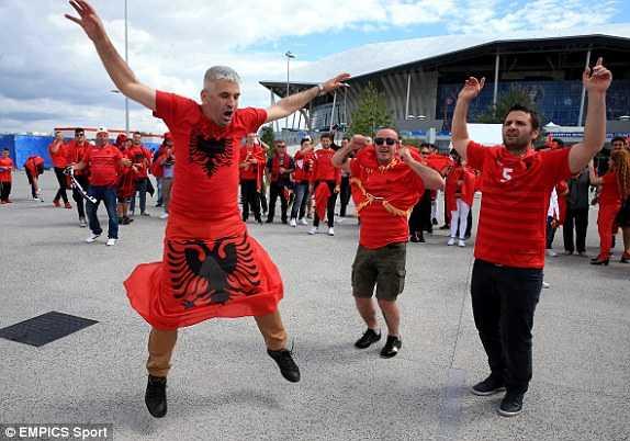 Truc tiep Euro 2016: Albania vs Romania hinh anh 21