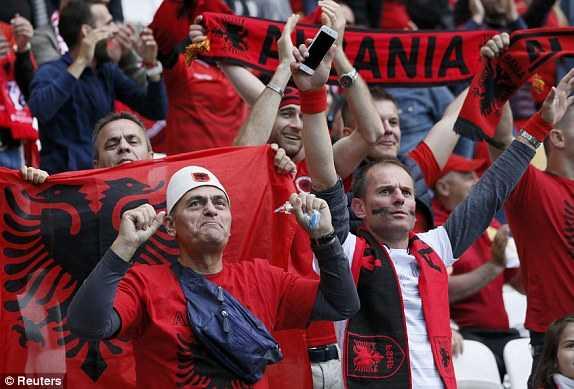 Truc tiep Euro 2016: Albania vs Romania hinh anh 19