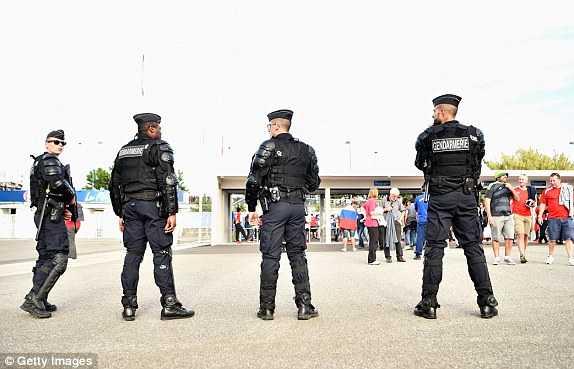 Truc tiep Euro 2016: Nga vs Xu Wales hinh anh 11