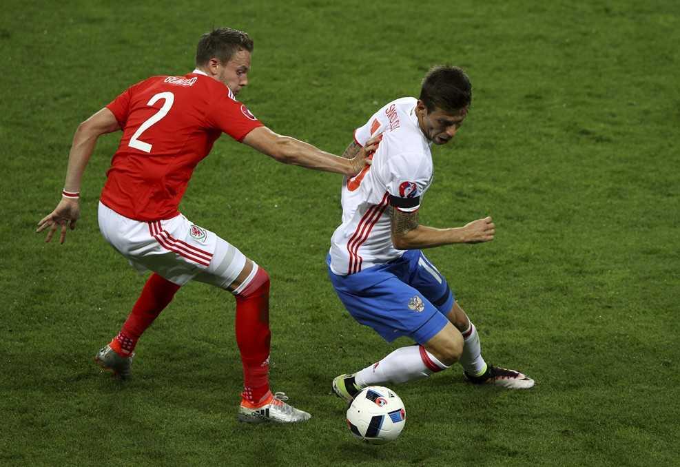 Truc tiep Euro 2016: Nga vs Xu Wales hinh anh 3