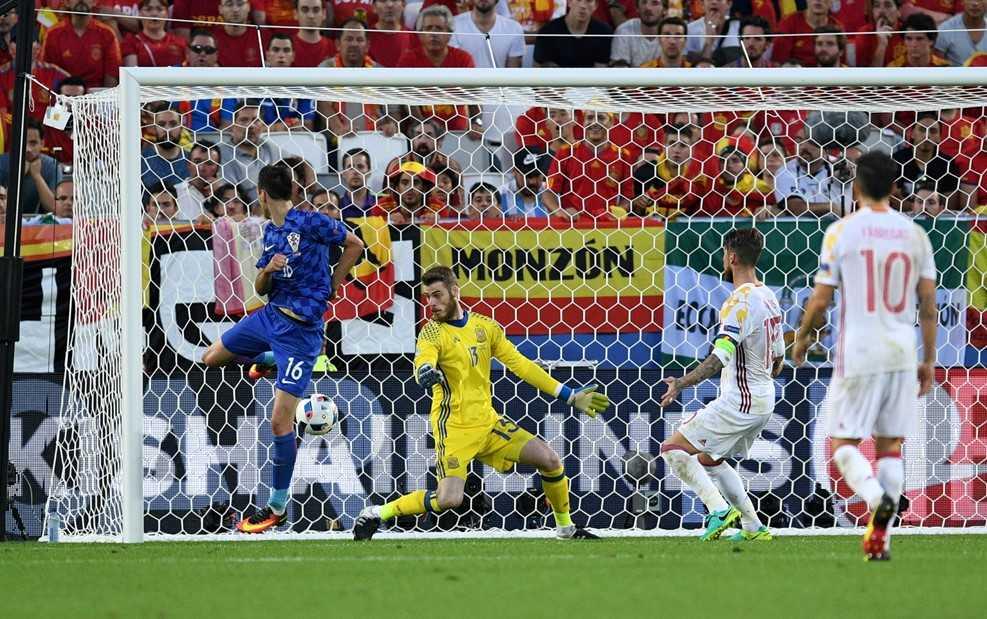 Truc tiep Euro 2016: Croatia vs Tay Ban Nha hinh anh 8