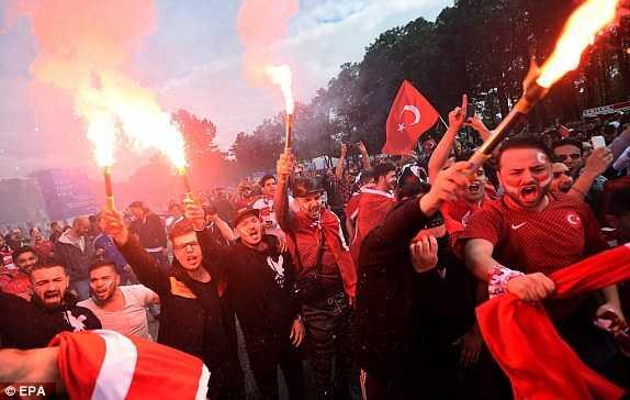 Truc tiep Euro 2016: Tho Nhi Ky vs Cong hoa Sec hinh anh 7