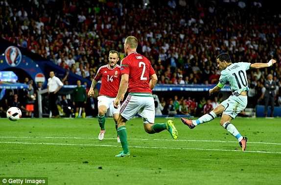 Bi thang hoanh trang nhat Euro 2016, gap Xu Wales o tu ket hinh anh 1