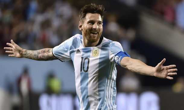 Tam thu roi nuoc mat co giao tre gui Messi: Dung tu bo. Dung de nhung ke tam thuong duoc thoa man hinh anh 3
