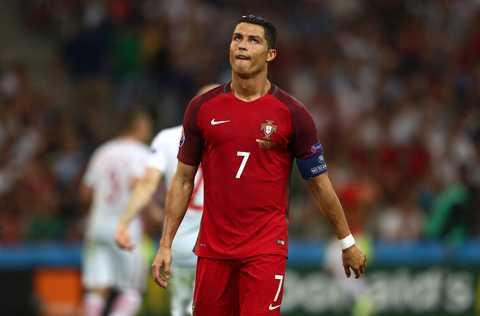 5 ly do Ronaldo gay that vong tai Euro 2016 hinh anh 1