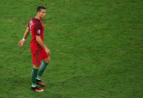 5 ly do Ronaldo gay that vong tai Euro 2016 hinh anh 3