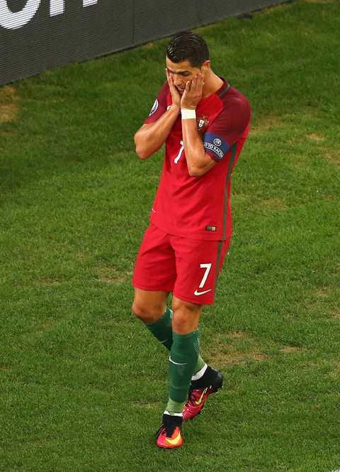 5 ly do Ronaldo gay that vong tai Euro 2016 hinh anh 5