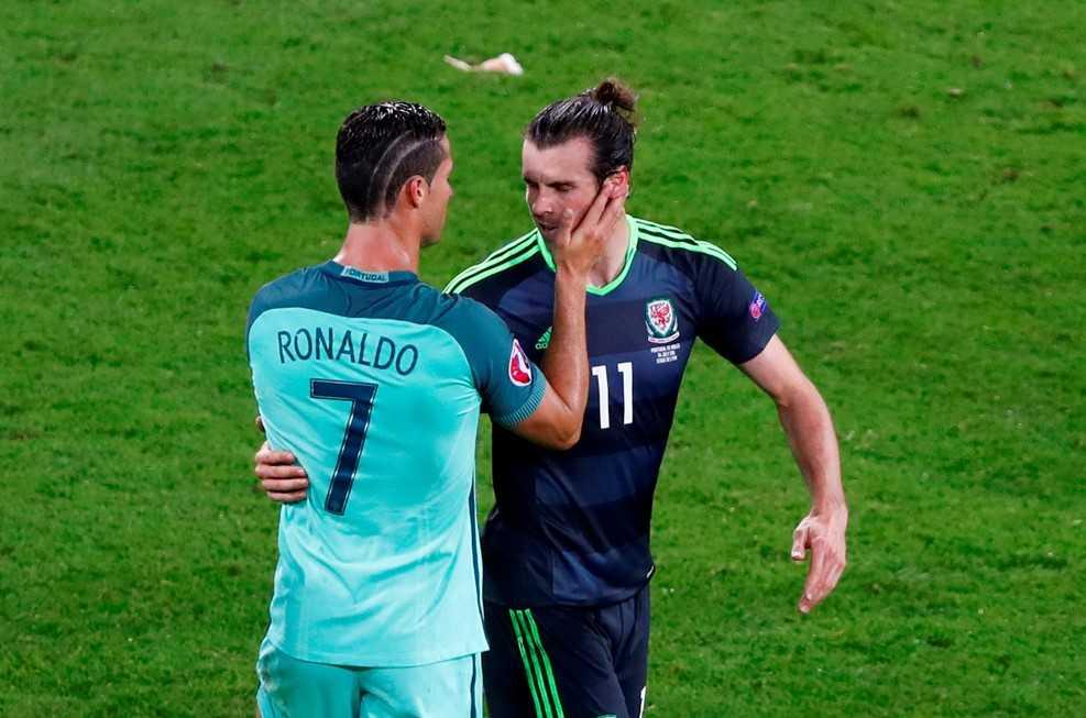 Ronaldo lap dai cong, Bo Dao Nha vao chung ket Euro 2016 hinh anh 1