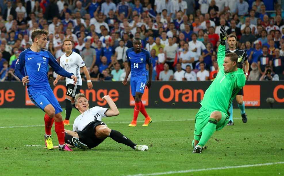 Antoine Griezmann ghi 2 ban, Phap ha Duc vao chung ket Euro 2016 hinh anh 2