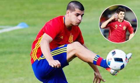 Ronaldo mac ao vay nuoc thanh va nhung tro me tin sieu di o Euro 2016 hinh anh 3