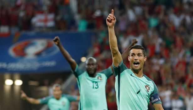 Ronaldo mac ao vay nuoc thanh va nhung tro me tin sieu di o Euro 2016 hinh anh 1