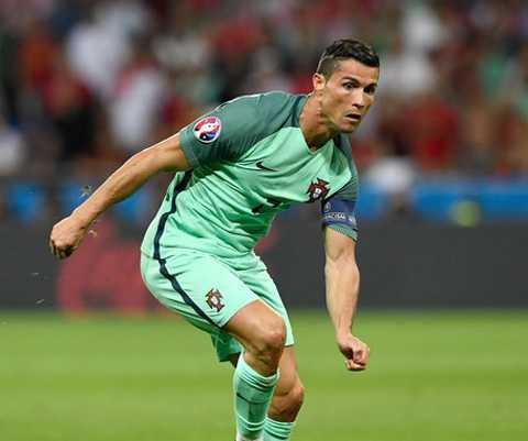 Ronaldo se pha hang loat ky luc o chung ket EURO 2016? hinh anh 2
