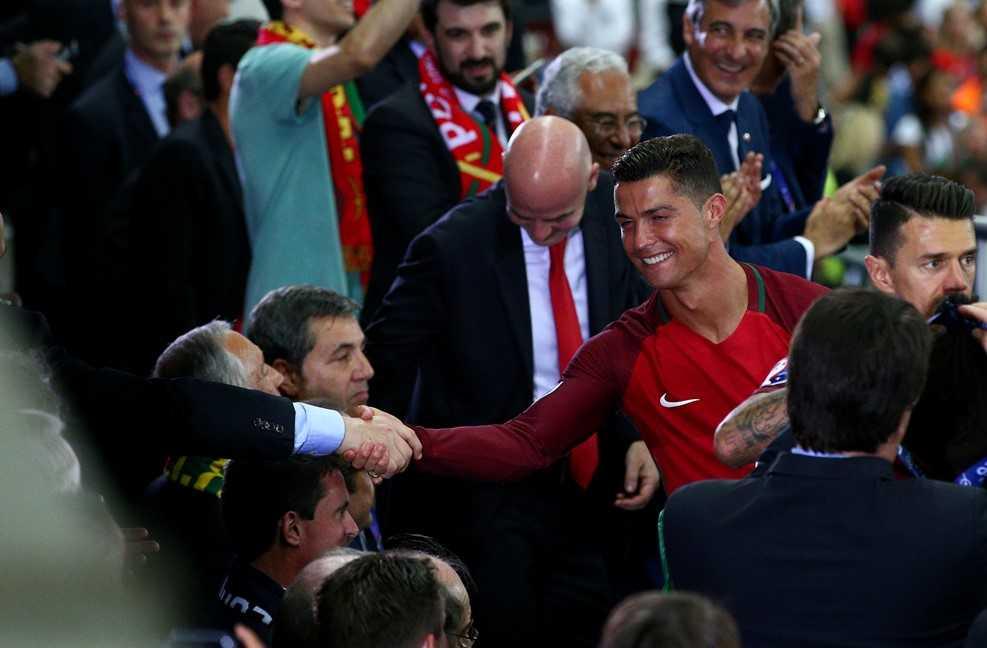 Thang Phap trong hiep phu, Bo Dao Nha vo dich Euro 2016 hinh anh 4