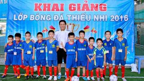 Thay Cong Phuong mo lop, luyen ga noi hinh anh 3