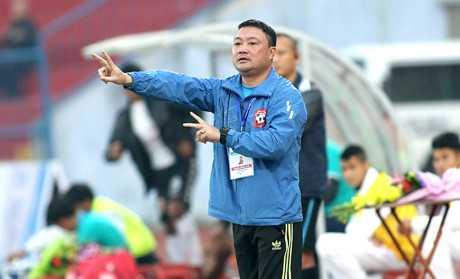 HLV Truong Viet Hoang xin loi CDV Hai Phong hinh anh 1