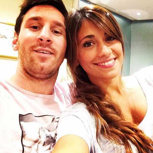 Messi: 9 tuoi biet yeu va chuyen tinh dep roi nuoc mat hinh anh 2