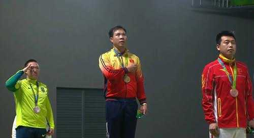 Hoang Xuan Vinh vuot nghich canh, gianh HCV Olympic hinh anh 1