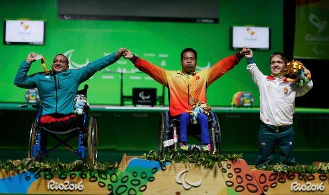 Clip: Khoanh khac Le Van Cong gianh huy chuong vang Paralympic 2016 hinh anh 5