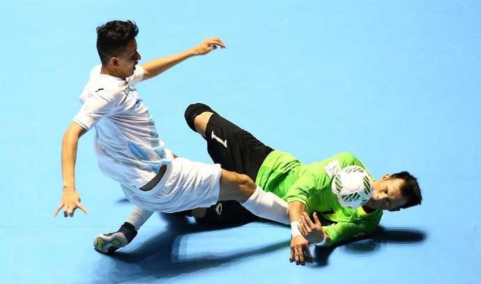 Truyen thong quoc te nga mu truoc chien thang gay soc cua Futsal Viet Nam hinh anh 2