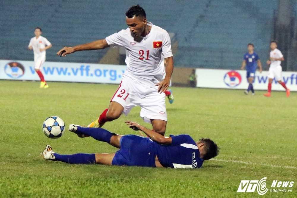 Hang thu te hai, U19 Viet Nam toat mo hoi thang U19 Philippines hinh anh 2
