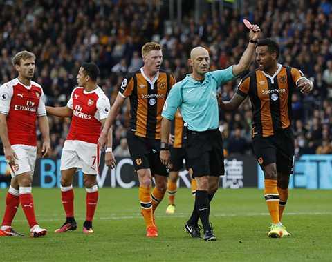 Arsenal da thanh thoi, thang de Hull City hinh anh 2