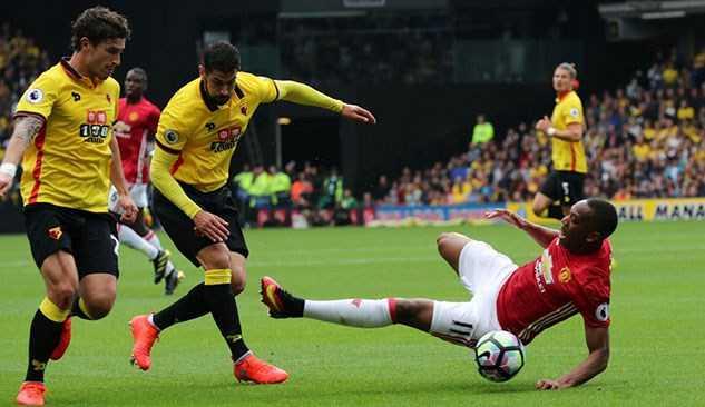 Martial sai lam day Mourinho vao tham canh hinh anh 1